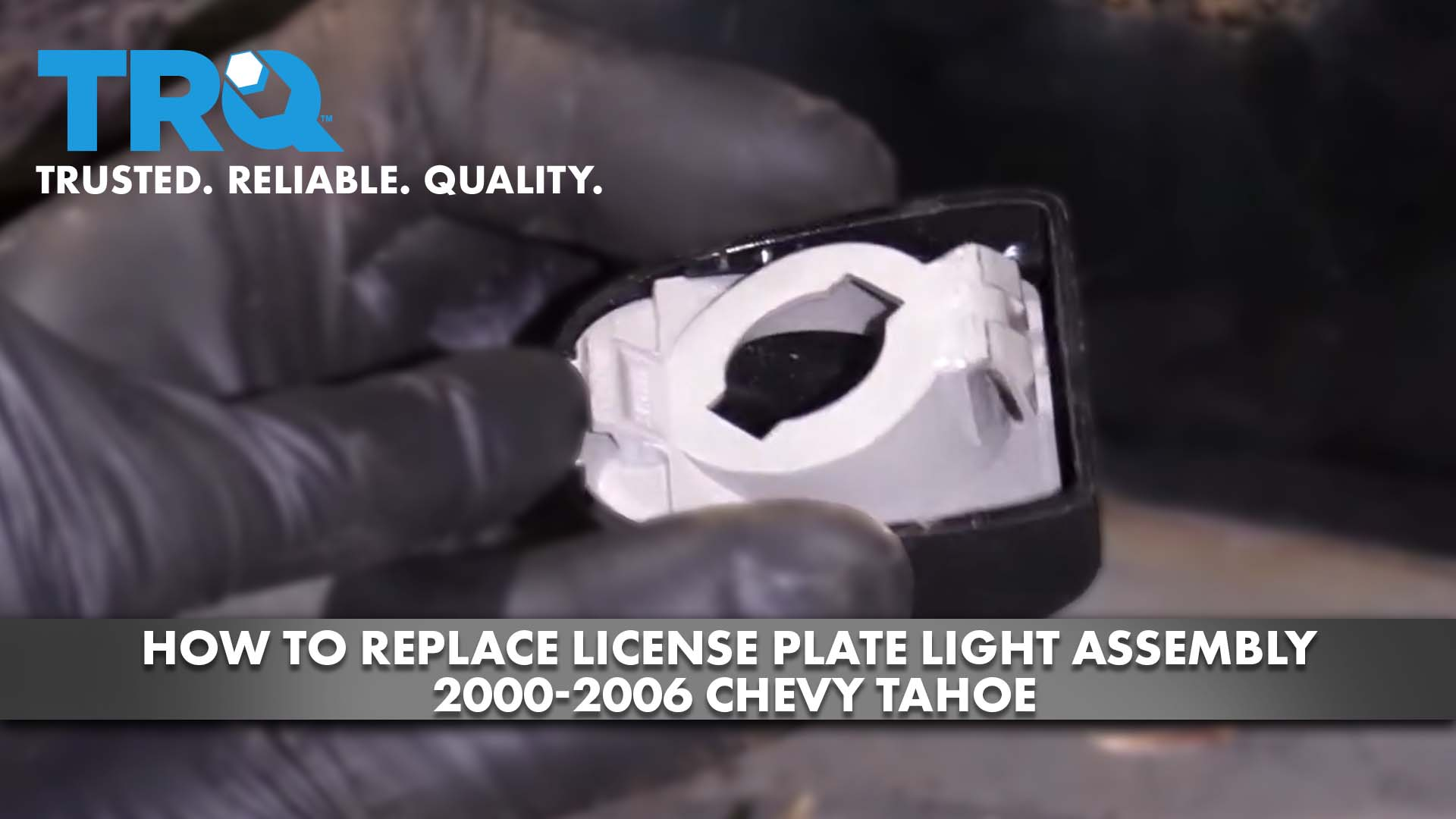 How to Replace License Plate Light Assembly 2000-06 Chevy Tahoe